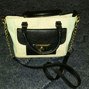 Steve Madden beige mint black gold handbag